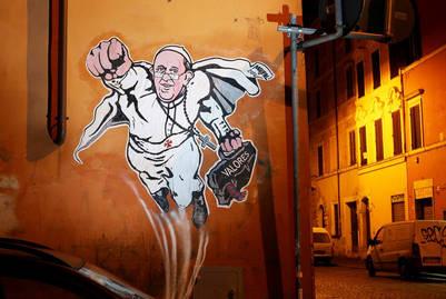El primer mural sobre Papa de Maupal (Mauro Pallotta) en Borgo Pio./ Foto Victor Sokolowic