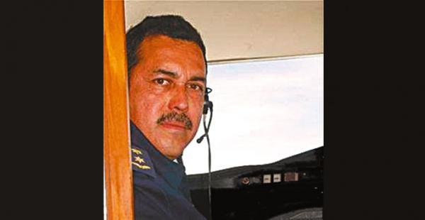 El capitán Álvarez Arteaga fue distinguido en el Reino Unido