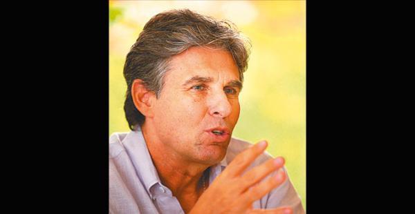 Carlos Montero estuvo enSanta Cruz el martes