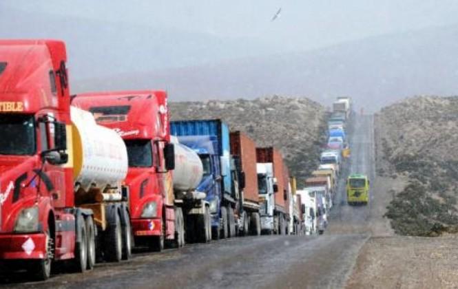 Transportistas piden usar otros puertos para no ser afectados por paros en Chile
