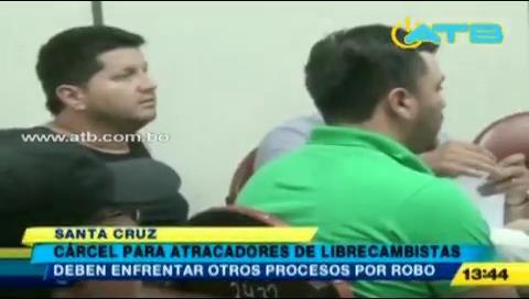 Encarcelan a cuatro acusados de atracar librecambistas