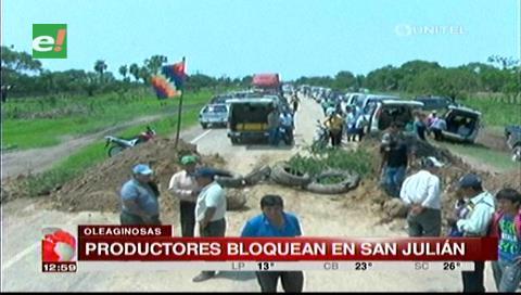 Productores de oleaginosas bloquean en dos puntos de la carretera a San Julián