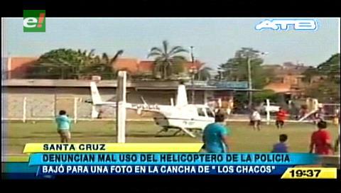 Santa Cruz: Helicóptero aterriza en una cancha y piloto se toma una selfie con una joven