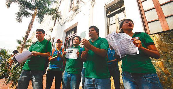 Representantes del frente Renovación instalaron un piquete de huelga de hambre en el Rectorado