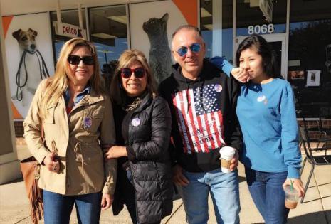 bolivianos votando
