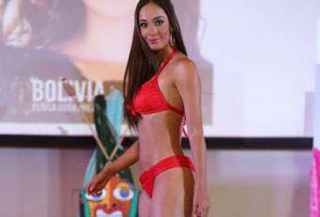 Eloísa representó a Bolivia en el Miss Tierra en Filipinas el 2014