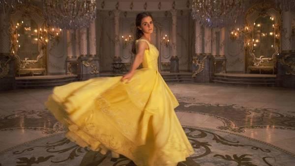 Emma Watson es Bella en la nueva versión del clásico de Disney