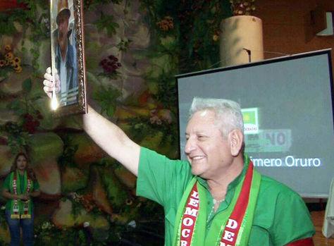 El líder de los demócratas, el gobernador Rubén Costas