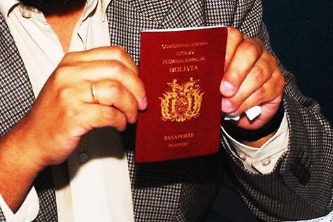El pasaporte boliviano, una documento indispensable para viajes al extranjero.
