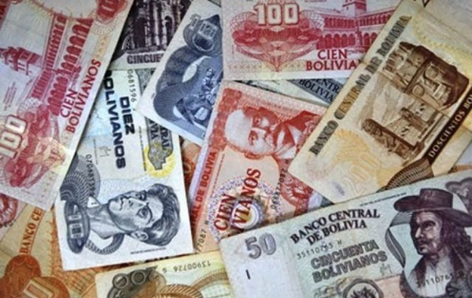 Policía alerta que billetes falsos ingresan por Desaguadero y Oruro