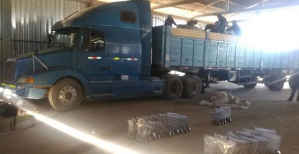 El operativo se realizó el lunes y la carga estaba destinada a Oruro. La cocaína estaba camuflada con carbón.