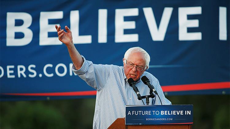 Bernie Sanders, ex precandidato demócrata y senador del Estado de Vermont, en Cloverdale, California, EE.UU.