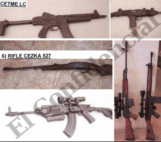 A la derecha, en vertical, un rifle Zastava y un Cetme C. Abajo, a la izquierda, una Samopal VZ 58.