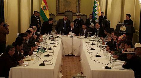 El Consejo Nacional de Autonomías (CNA) en su cuarta sesión, el miércoles 31 de agosto de 2016.