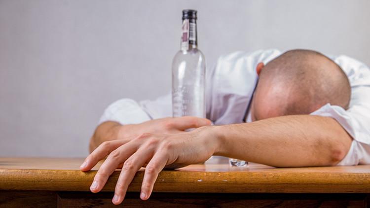 El consumo excesivo de alcohol produce daños a largo plazo