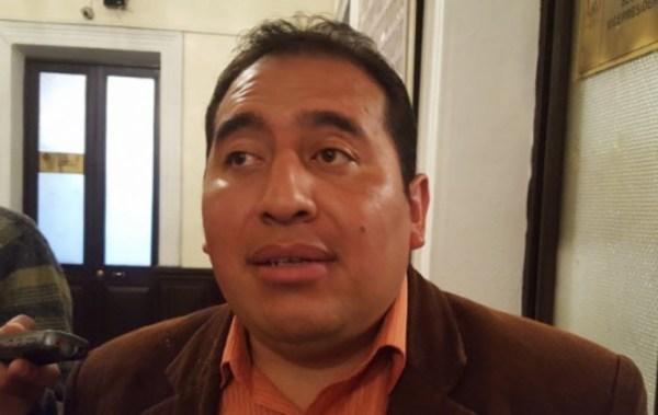 Diputado Santamaría dice que verificó perforaciones y explotación en el Illimani