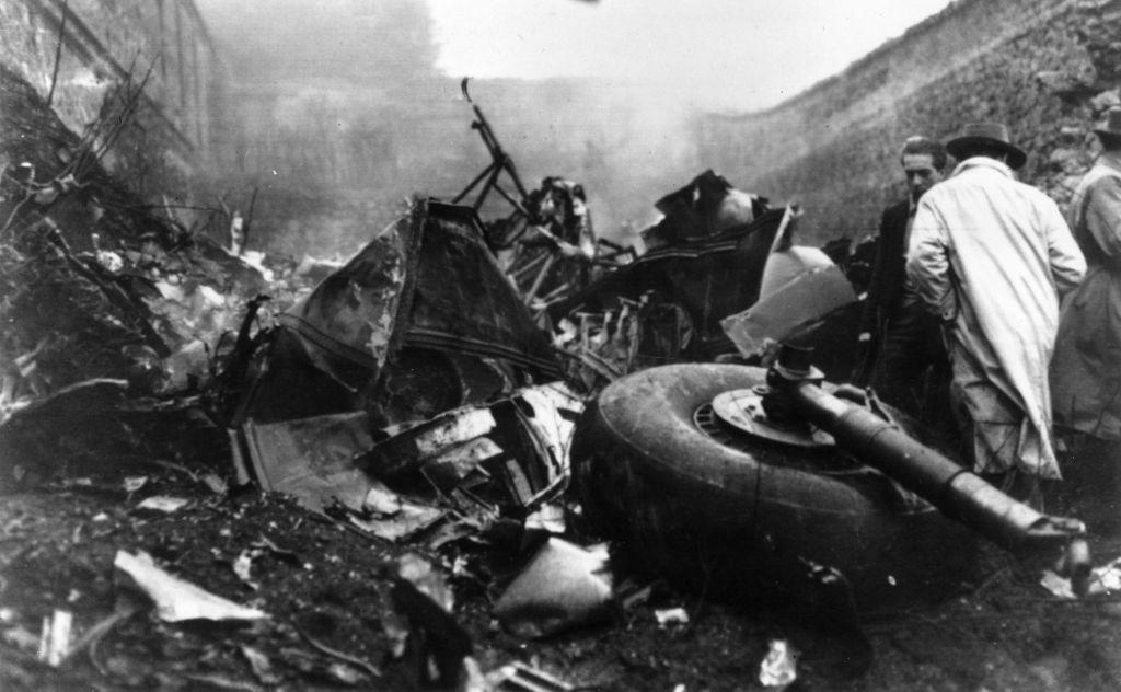 5 de mayo de 1949: La escena después del accidente aéreo en la montaña de Superga, cerca de Turín. (Foto: Keystone/Getty Images).