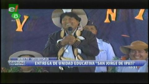 Evo le sugiere al alcalde de Monteagudo consumir hoja de coca para que le vuelva a salir cabello