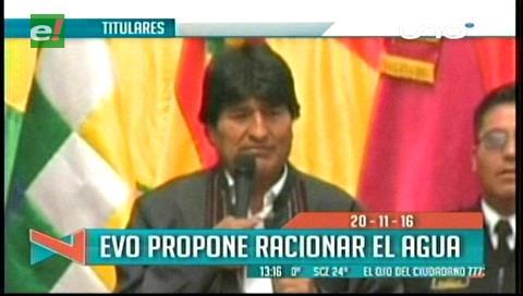 Titulares de TV: Evo Morales propone racionar el agua y sugiere restringir su uso en carnaval