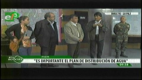 FFAA asumen dotación de agua en La Paz y prevén habilitar 80 cisternas