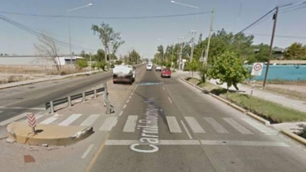 En el cruce peligroso conocido como Carril General Rodríguez una conductora atropelló al agente vial de Mendoza. Google Street View.
