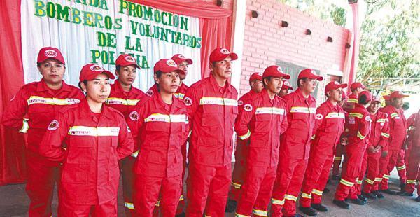 Los nuevos bomberos voluntarios que ayer egresaron ya están listos para actuar en atención de incendios, rescates y otros
