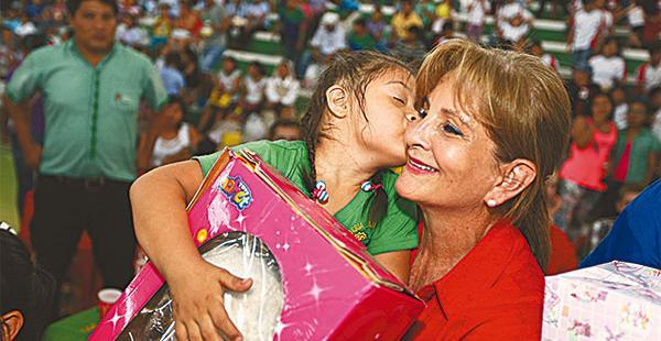 Sonia Vincenti de Costas compartió con los pequeños