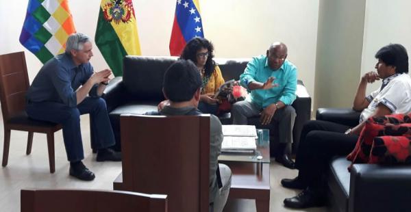 Evo y Álvaro dieron la bienvenida al país a Aristóbulo Istúriz Almeida, vicepresidente de Venezuela