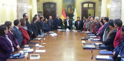 El Gabinete en pleno saludó y aplaudió la visita de Choquehuanca a Chile
