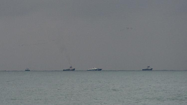 Las labores de rescacte en el mar Negro donde se estalló el Tu-154 ruso