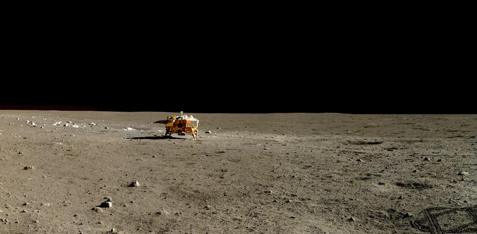 Foto de la Agenzia espacial china (CNSA) de la misión Chang'e 3 difundida a principio de año que muestra el rover Yutu, aterrizado en la Luna en 2013(CNSA)