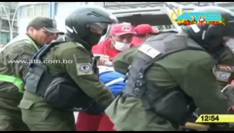 La Paz: Minibús choca contra un micro dejando de 6 heridos