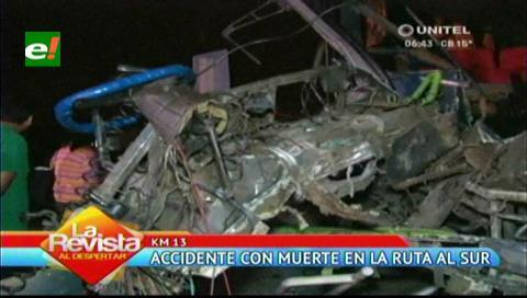 Carretera a Camiri: Un chofer muerto al colisionar bus con camión