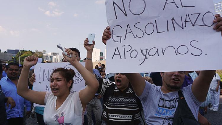 Las protestas contra el  'gasolinazo ' prenden en todo México