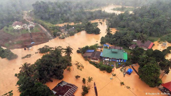 Malaysia Monsun Überflutung 24.12.2014 (Reuters/N. Roselan)