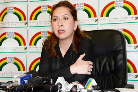 Resultado de imagen para ministra de Medio Ambiente y Agua, Alexandra Moreira