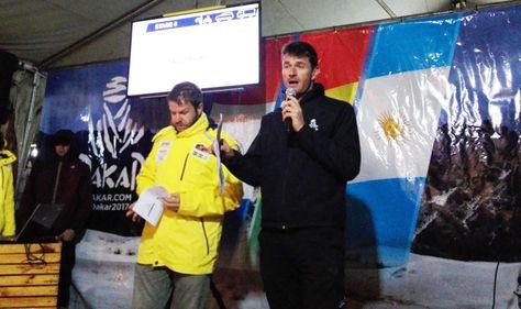 Marc Coma, en Oruro, anuncia en conferencia de prensa la suspención de la prueba en su sexta etapa.