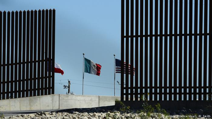 Grenze USA - Mexiko (picture-alliance/dpa/L. W. Smith)