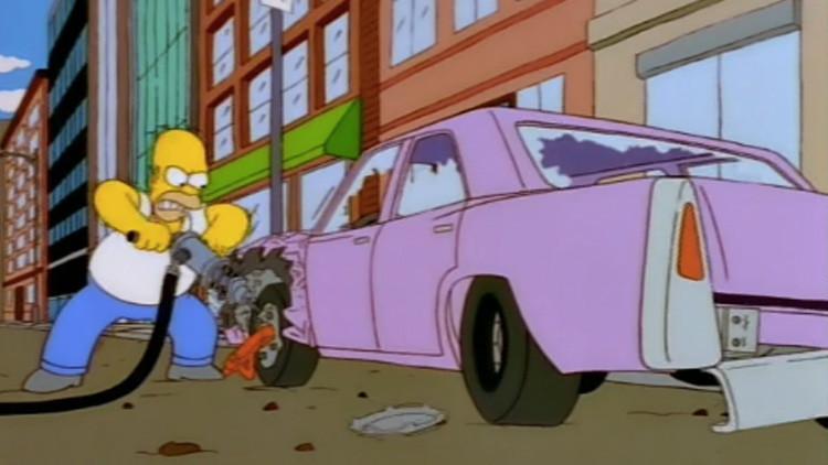 Revelan qué modelo de automóvil conduce Homero Simpson