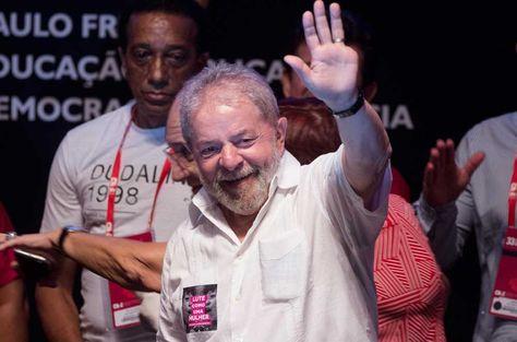 El expresidente de Brasil, Luiz Inácio Lula da Silva, participa del XXXIII Congreso Nacional de la Coordinadora Nacional de Trabajadores de la Educación (CNTE).