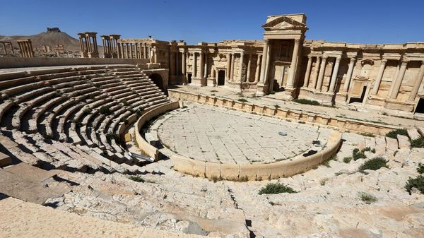 Esta foto de archivo, tomada el 31 de marzo de 2016, muestra el teatro romano en la ciudad antigua de Palmira, en Siria (AFP)