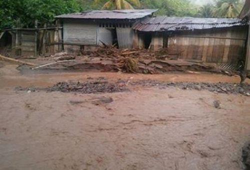 Riada en la localidad de Tipuani causa inundaciones. Foto: RRSS