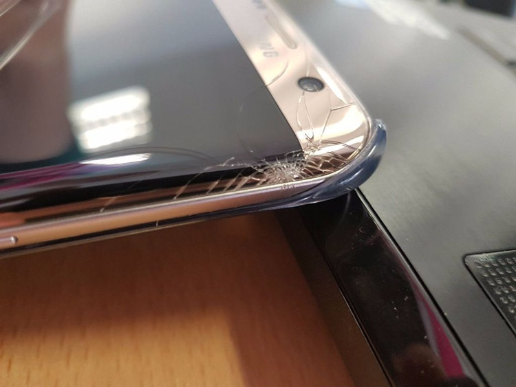 Pantalla rota del Samsung Galaxy S7 Edge
