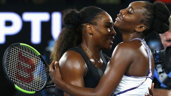 El abrazo entre las hermanas Williams (Reuters)