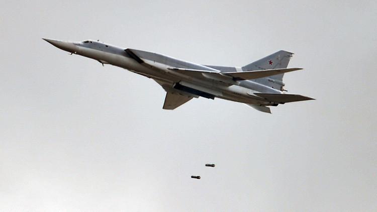 Seis bombarderos Tu-22M3 rusos lanzan ataques aéreos contra el Estado Islámico en Siria
