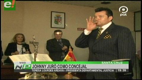 Johnny Fernández es posesionado como concejal