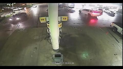 Dos mujeres protagonizan cinematográfico robo en gasolinera de Miami-Dade