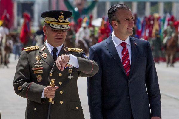 El ex gobernador de Aragua junto a Vladimir Padrino López, ministro de Defensa de Venezuela(EFE)