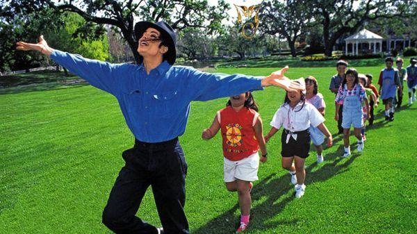 Jackson fue acusado de abuso sexual de menores a los que invitaba a su mansión de Neverland.