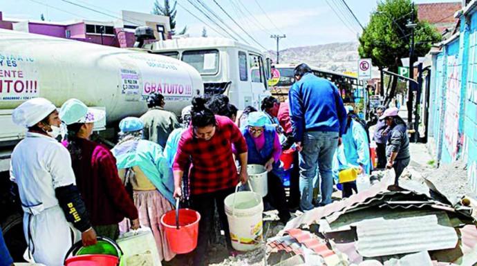 CRISIS. Una imagen de la escasez en La Paz.
